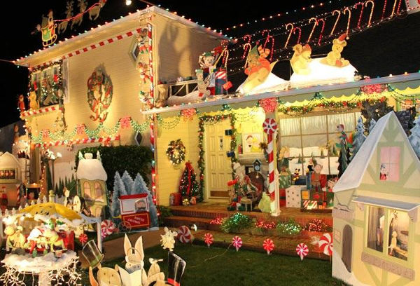 top-8-casas-decoradas-com-luzes-de-natal4