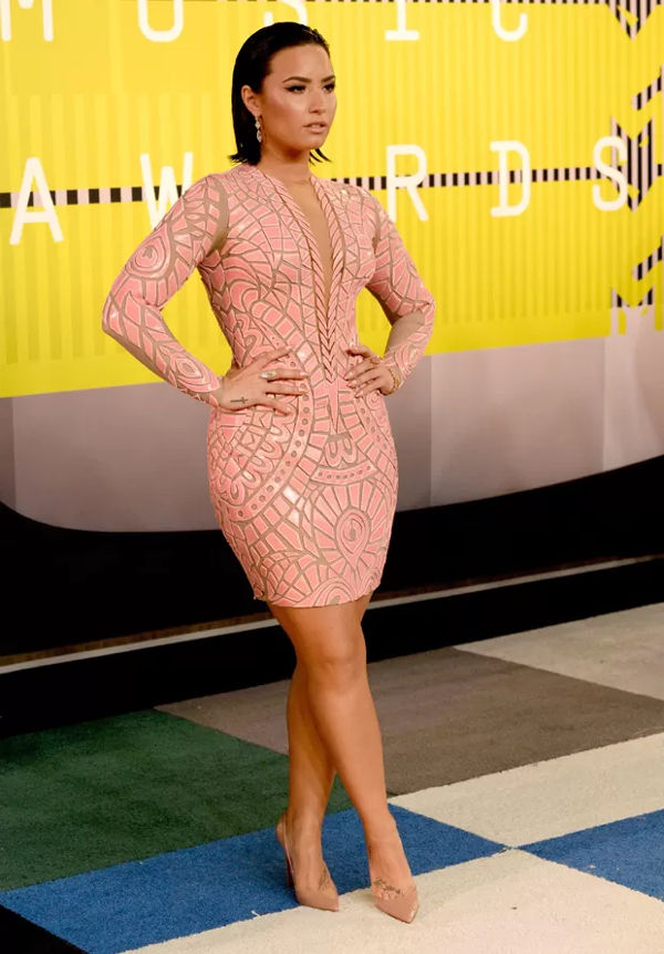 top-7-looks-das-famosas-no-vma-20153