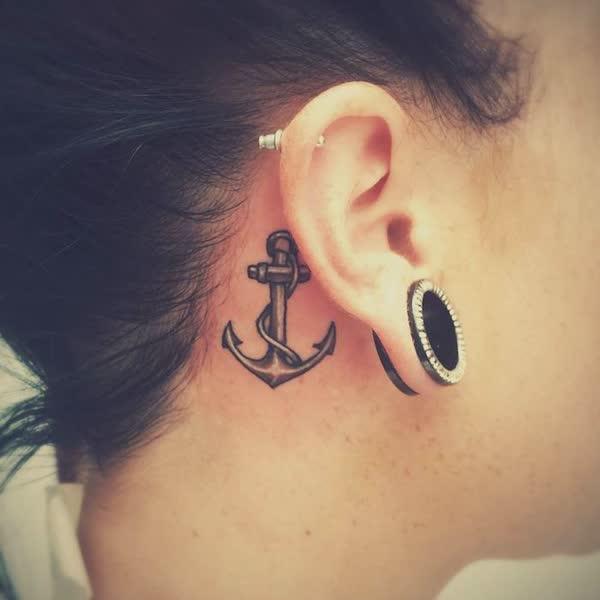 top-lindas-tatuagens-atras-da-orelha-21