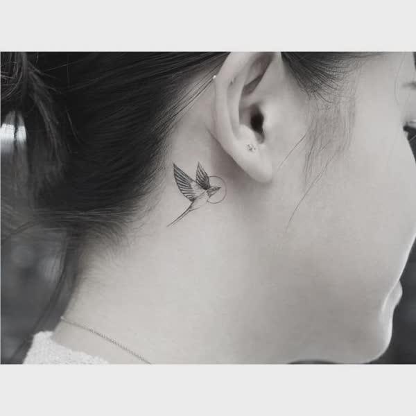 top-lindas-tatuagens-atras-da-orelha-9